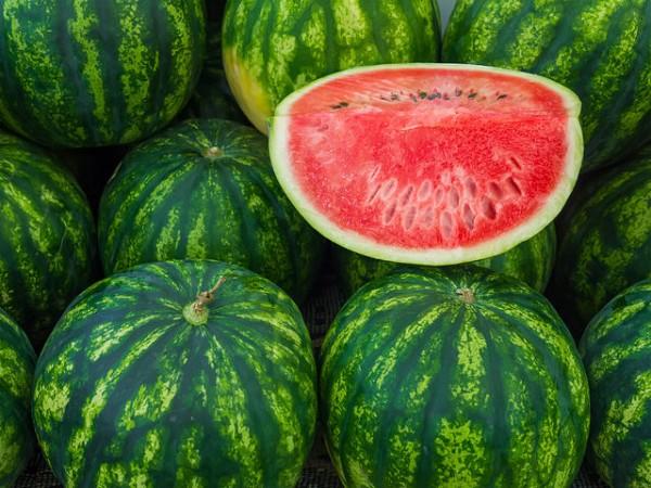 Самые вкусные арбузы созревают в сезон, то есть со второй половины августа до конца сентября